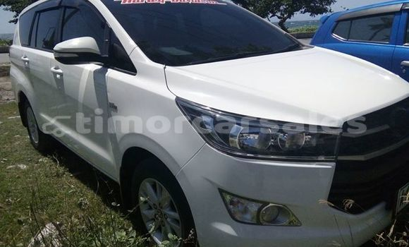 Buy Used Toyota Inova White Car in Dili in Dili