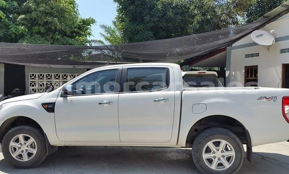 Buy Used Ford Ranger White Car in Dili in Dili