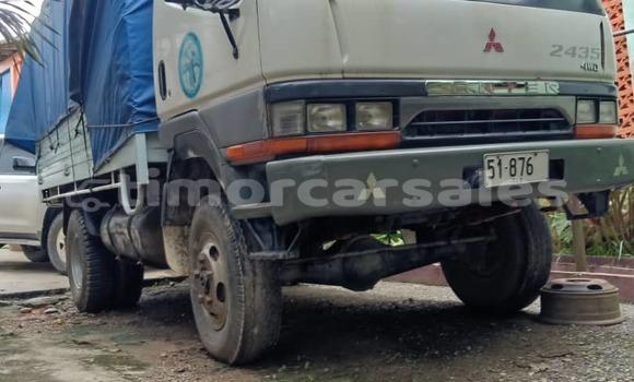Buy Used Mitsubishi L400 White Truck in Dili in Dili