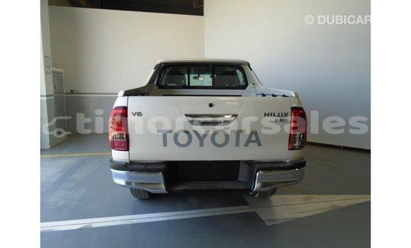 Buy Import Toyota Hilux White Car in Import - Dubai in Aileu