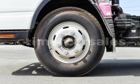Buy Import Mitsubishi L400 White Truck in Import - Dubai in Aileu