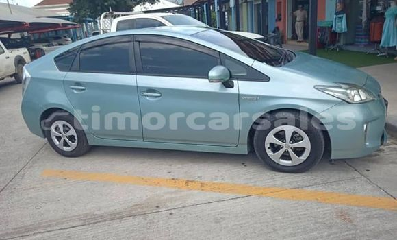 Buy Used Toyota Prius Blue Car in Dili in Dili
